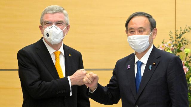 菅首相とバッハ会長